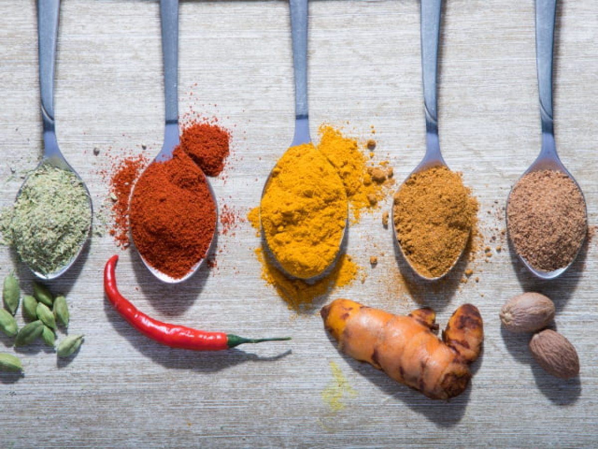 2019Food_Ground_spices_in_spoons_on_the_table_133298_29