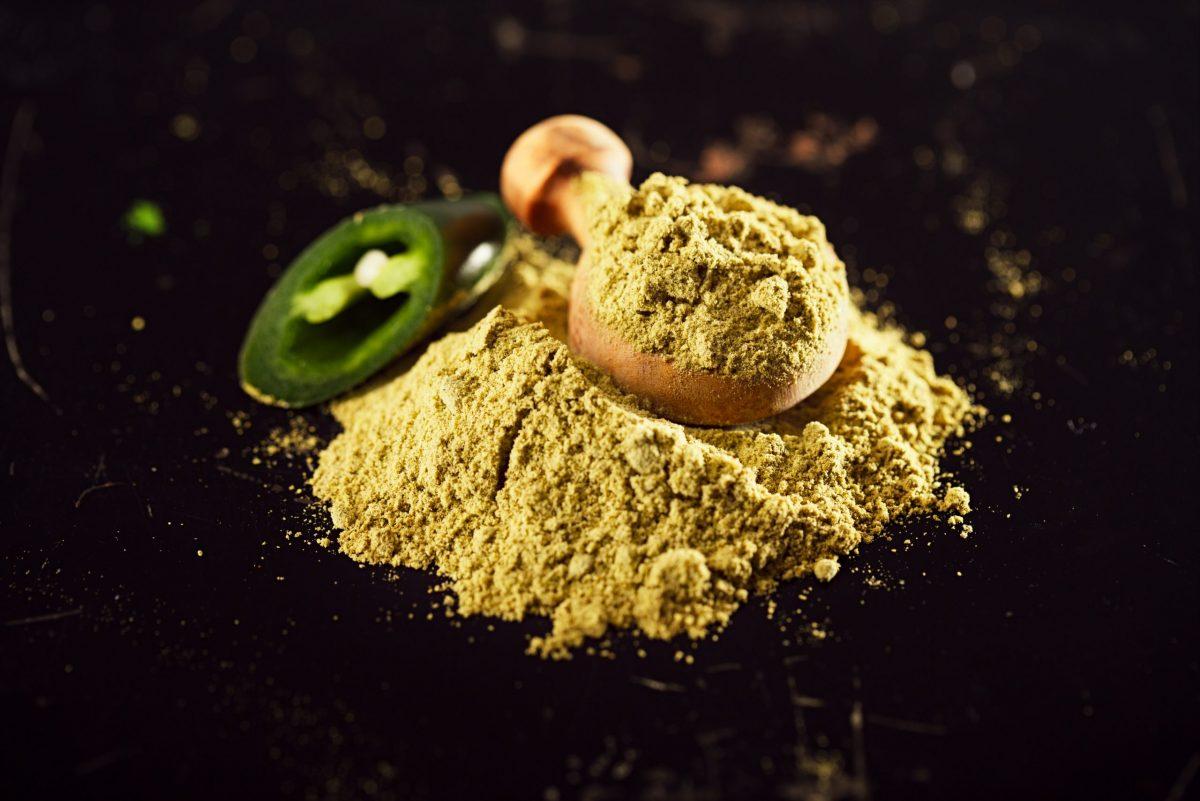 Jalapeno,Green,Chilli,Powder,On,Dark,Background